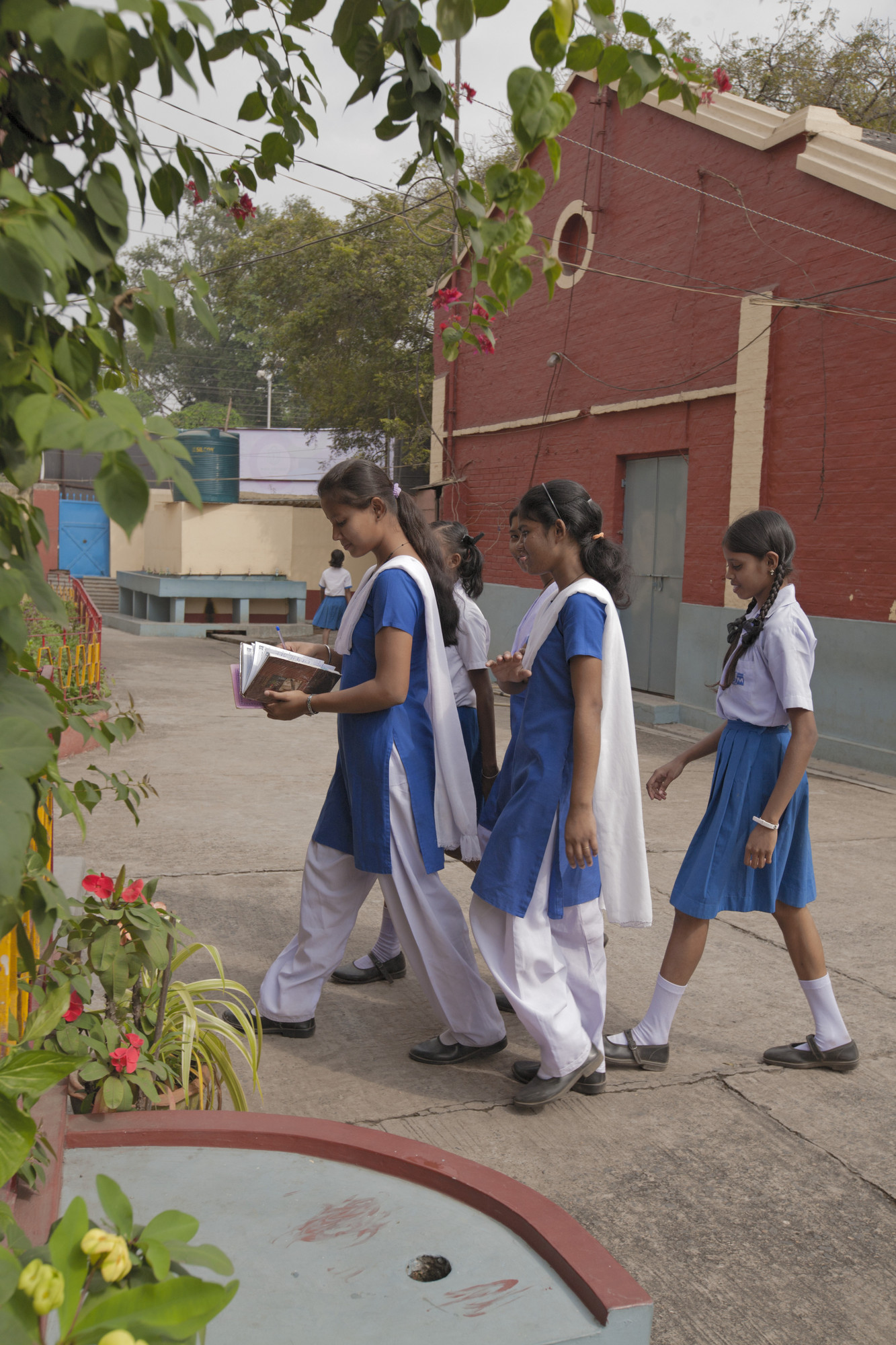 students in school uniforms