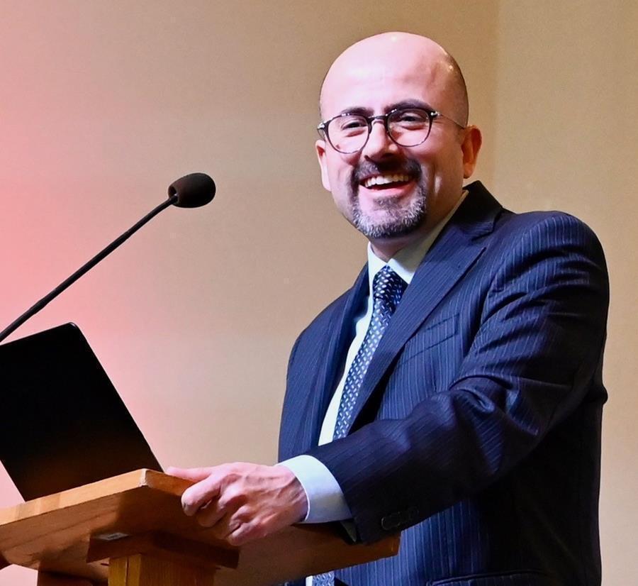 """<span class=""""photo-caption""""><a href=""""https://mcc.org/stories/questions-et-reponses-de-lauteur-cesar-garcia"""">Questions et réponses de l'auteur</a> - César García</span><span class=""""photo-credit"""">Crédit photo : César García</span>"""