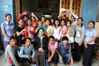 Chea Muoy Kry, executive director of Women Peacemakers in Cambodia, believes that training young people, including those gathered around her, is the best way to change attitudes toward gender issues, domestic violence, sexual violence and other relevant topics.