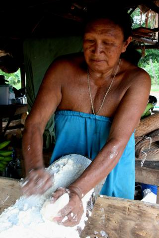 <span><strong>Preparing Manioc</strong> - Wayana People - Apatima, Suriname</span>