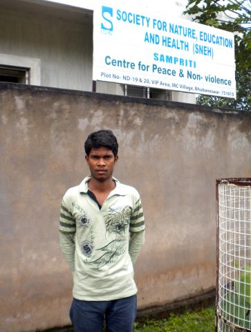 Vivek Digal used peacebuilding training he received from an MCC-sponsored partner to resolve a conflict between Christians and Hindus in an India slum.